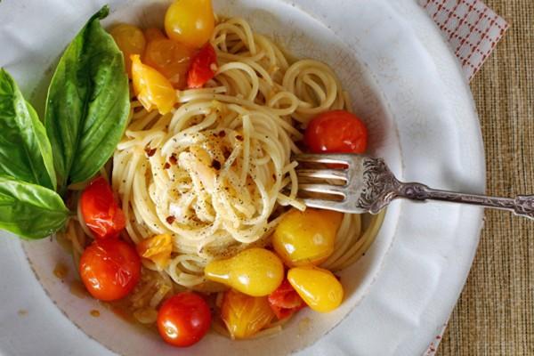 Spaghetti with Cherry Tomato Sauce
